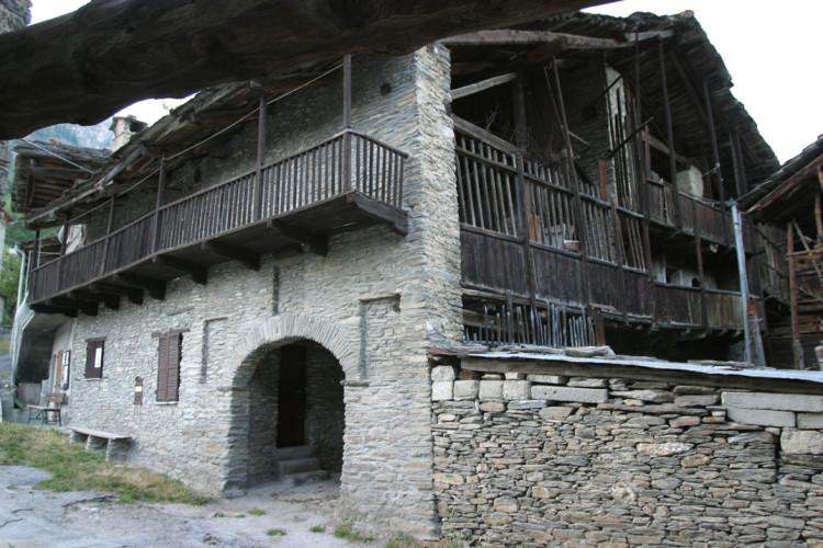 casa a villaggio in Ussolo